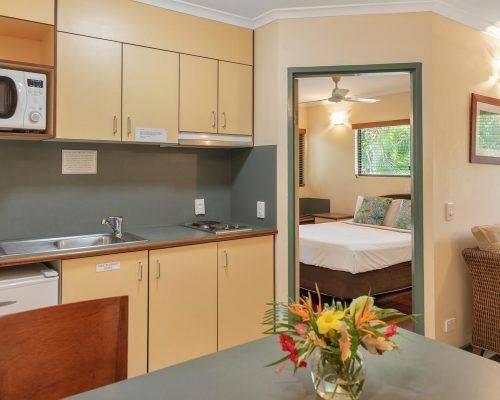 cairns-queensland-1-bedroom-suite (3)