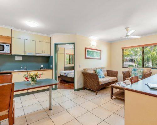 cairns-queensland-1-bedroom-suite (5)