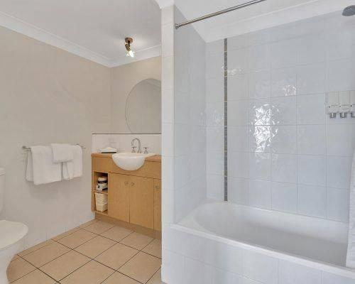 cairns-queensland-2-bedroom-suite (2)