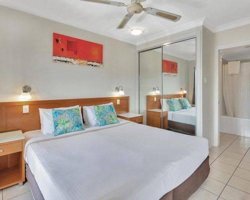 cairns-queensland-2-bedroom-suite (3)