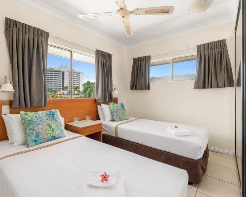 cairns-queensland-3-bedroom-suite (10)