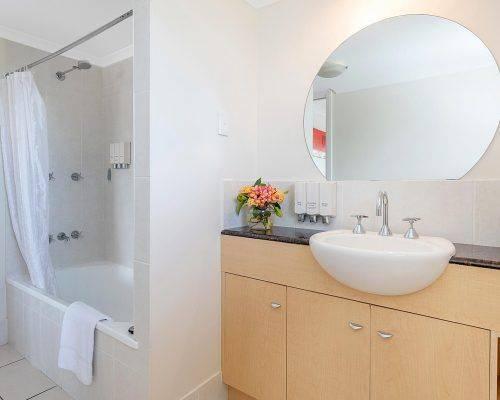 cairns-queensland-3-bedroom-suite (14)