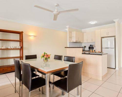cairns-queensland-3-bedroom-suite (9)
