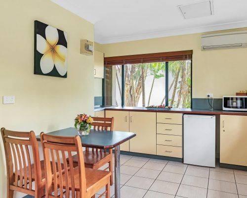 queensland-cairns-triple-apartment (1)